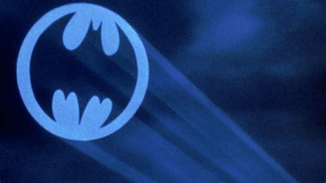 Batman Light Signal by Bat Signal Lights Up La In Adam West Tribute Flickreel