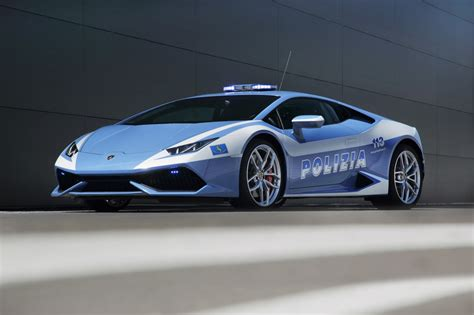 police lamborghini huracan italian police adds the new lamborghini huracan to their
