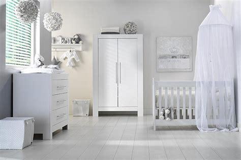 chambre bébé blanche et grise déco chambre bébé