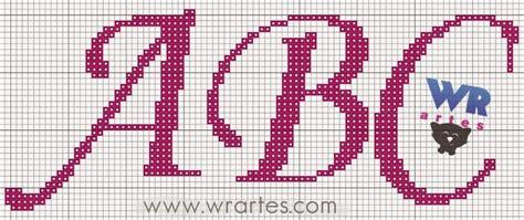 O alfabeto em ponto cruz pode estar presente em peças de banho, em peças de cozinha e também em peças infantis. Gráfico letra cursiva ponto cruz   Gráfico de letras ...