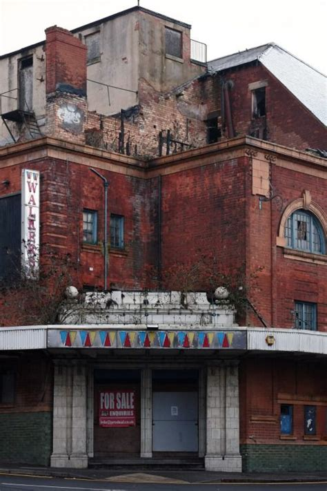 fuckyeahabandonedplaces   Abandoned buildings, Abandoned ...