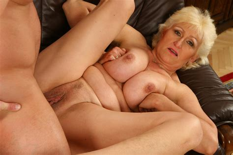 Busty Blonde Mature Whore Getting Fucked At Home Pichunter
