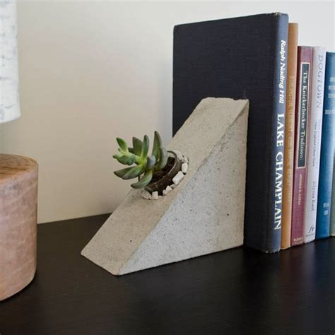 decorative bookends jj 10 13 13 best creative diy bookend ideas images on bookends diy room decor and book holders