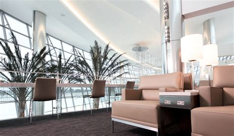 luxurious airport lounges airports  luxury