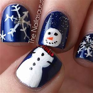 10 Festive Holiday Nail Art Designs