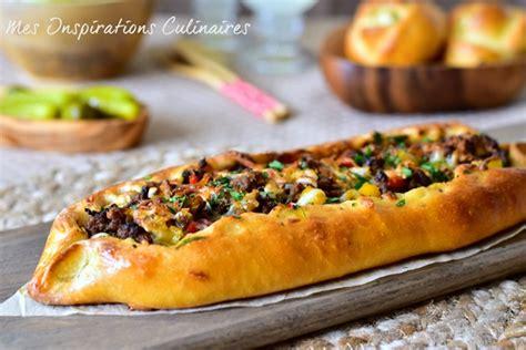 recettes de cuisine turque pizza turque à la viande hachée pide pizza le