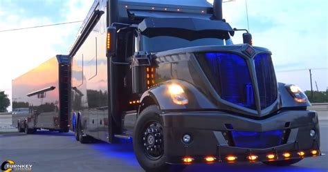 kind luxury race hauler built  scott bloomquist