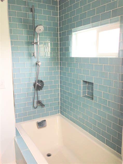 27 great small bathroom glass tiles ideas
