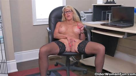 Canadian Milf Velvet Skye Creams Her Office Chair Milf Porn