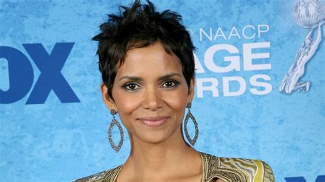 Halle Berry Wallpapers ·①
