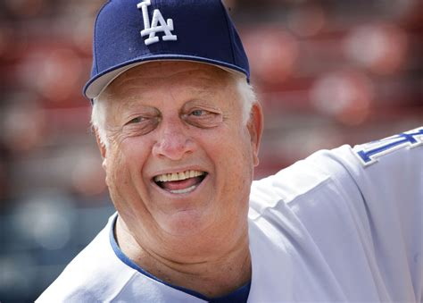 legendary dodger manager tommy lasorda  honored  la