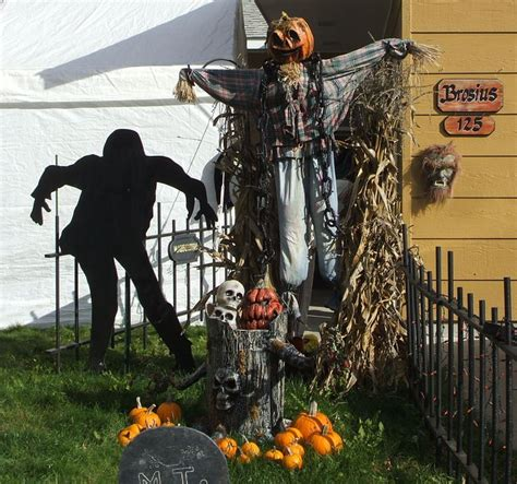 halloween outdoor decorations dead end cemetery pinterest