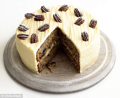 recipe hummingbird cake daily mail
