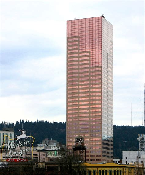 #37 Big Pink (US Bancorp Tower) | Things About Portland ...