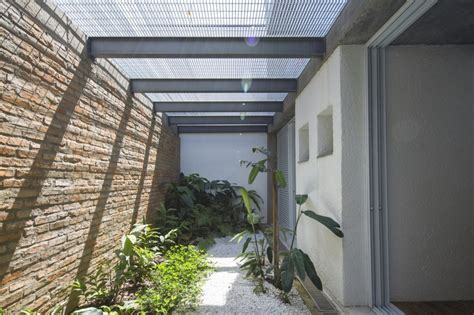 Three Story Courtyard House