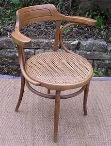 Bureau Ancien En Bois : assise de bureau ancien en bois table de lit ~ Carolinahurricanesstore.com Idées de Décoration