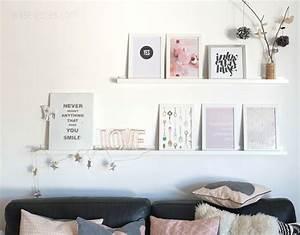 Schlafzimmer Rosa Grau : unser wohnzimmer mit neuen farbtupfern regale shelfes pinterest wohnzimmer tapeten ~ Frokenaadalensverden.com Haus und Dekorationen