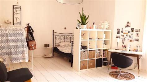 schlafzimmer ideen mit arbeitsbereich sch 246 ne wg zimmer einrichtungsidee heller holzboden bett