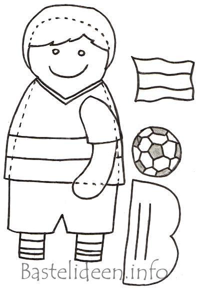laubsaegearbeit kostenlose bastelvorlage fussball junge