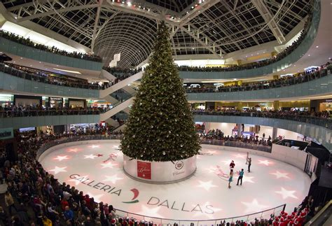 galleria dallas christmas tree raising galleria dallas