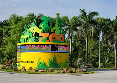 zoo parks animals wildlife zoological director wikipedia american promoting magill frequently appears stations ron often talk photographer local shows he
