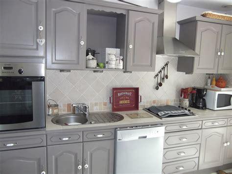 la cuisine du placard cuisine peinture sur meuble repeindre portes cuisine