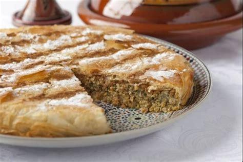 cuisine marocaine brick recette de pastilla de pigeon à la marocaine facile