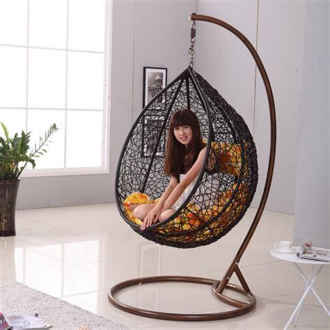 chaise suspendue interieur chaises design 15 chaises suspendues modernes