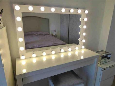 Bathroom Mirror Light Bulbs by Best 25 Mirror With Light Bulbs Ideas On