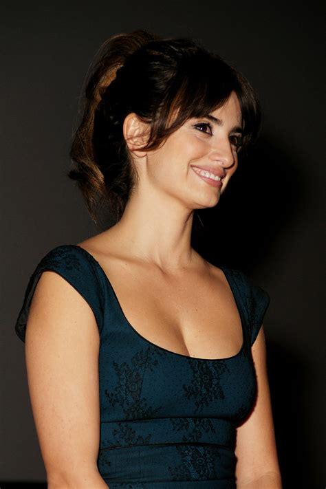 penelope cruz sanchez actress sheclickcom