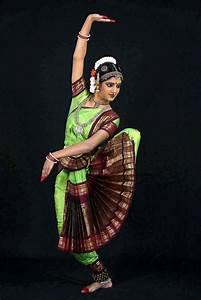 Bharatanatyam - one of my absolute favorite types of dance ...