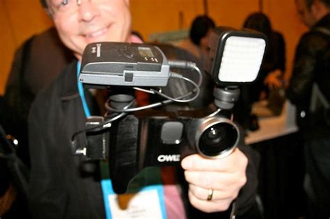 iphone filming rig ces tv reporter is shooting tech show with iphone and
