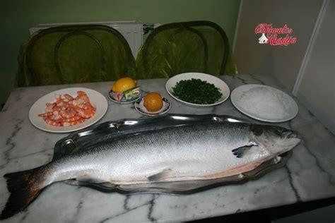 cuisiner saumon entier saumon entier farci aux vermicelles chinois et crevettes