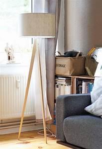 Stehlampe Holz Dreibein : stehlampe holz dreibein dreibein stehlampe aus holz pastel h 150 cm maisons du monde stehlampe ~ Orissabook.com Haus und Dekorationen