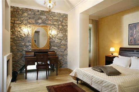 Ippoliti Hotel  Updated 2017 Reviews & Price Comparison. Glenelg Pacific Apartments. James Cottage Guest House. NH Vicenza. 23 Greengarden House. Changbaishan Songlin Hotel. Hotel Francia Aguascalientes. Sheraton Metechi Palace Hotel. Bluewater Point Resort