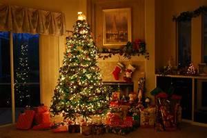 Inside Christmas Decorations - Home Design