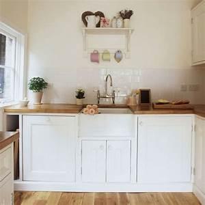 Kleine Küche Einrichten Tipps : wei e kleine k che einrichten 30 vorschl ge ~ Michelbontemps.com Haus und Dekorationen