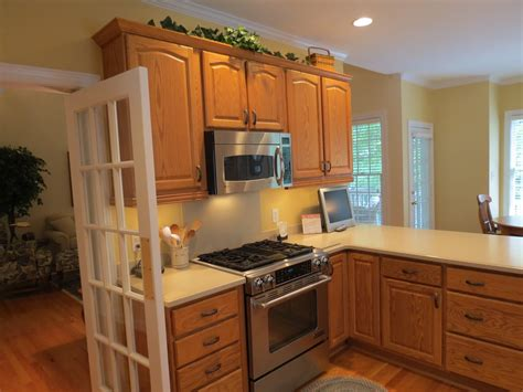 kitchen colors with oak cabinets best kitchen paint colors with oak cabinets my kitchen