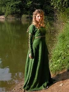 quelques vetements medievaux xenaoot With vêtements médiévaux femme