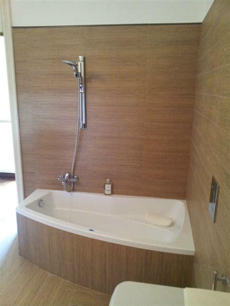 rivestimento bagno effetto legno bagno in gres effetto legno gerardo meloro manzo