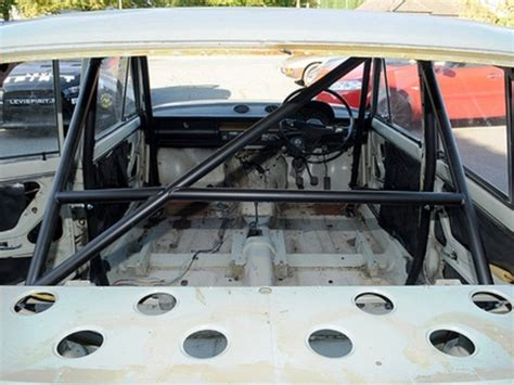 Lada Riva 6 Point Bolt-in Roll Cage | Safety Devices ...
