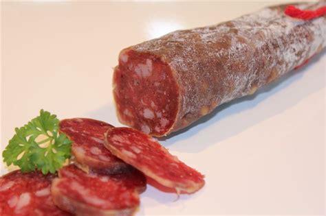 cuisine klein zwijn worstje meatcuisine