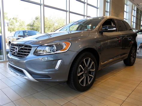 volvo xc  awd dynamic gray miwest chester