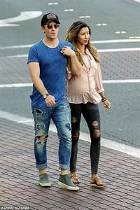 Matthew Morrison's pregnant wife Renee Puente shows bump ...