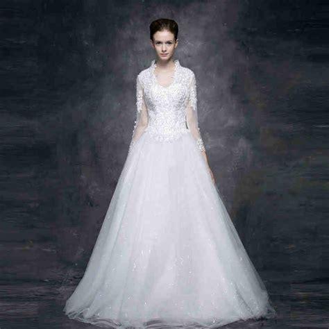 ivory  white wedding dress wedding  bridal inspiration
