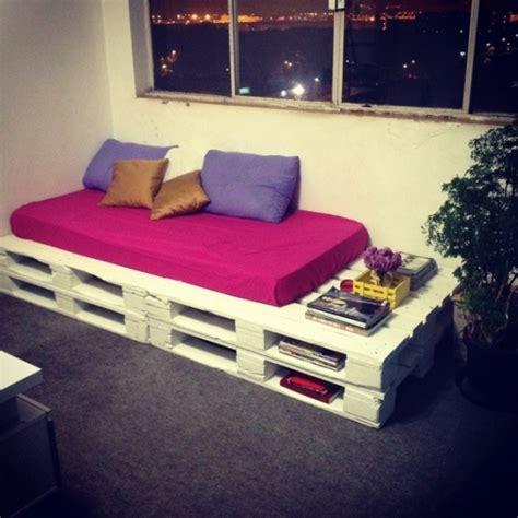 canapé lit avec rangement 6 ideias para sofás de pallet vilamulher