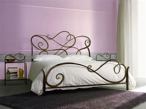 Wrought iron classic bed, for Bedroom   IDFdesign