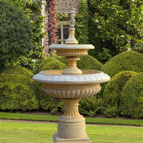Garten Kaskaden Springbrunnen  Lanthenay • Gartentraumde