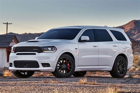 Dodge Durango SRT lets loose with a four wheel burnout