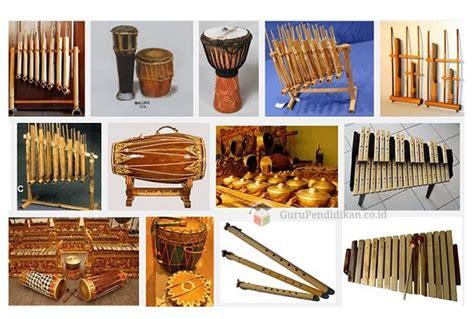 Alat musik tradisional berikutnya adalah aramba, yang berasal dari pulau nias, sumatera utara. Alat Musik Tradisional Indonesia, Jenis, Daerah dan Fungsi